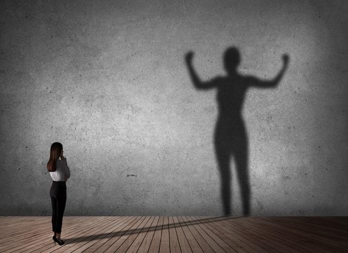 adopter un regard valorisant sur soi pour gagner en confiance