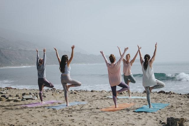 respiration et postures yogi contribue à un développement personnel harmonieux et à retrouver confiance